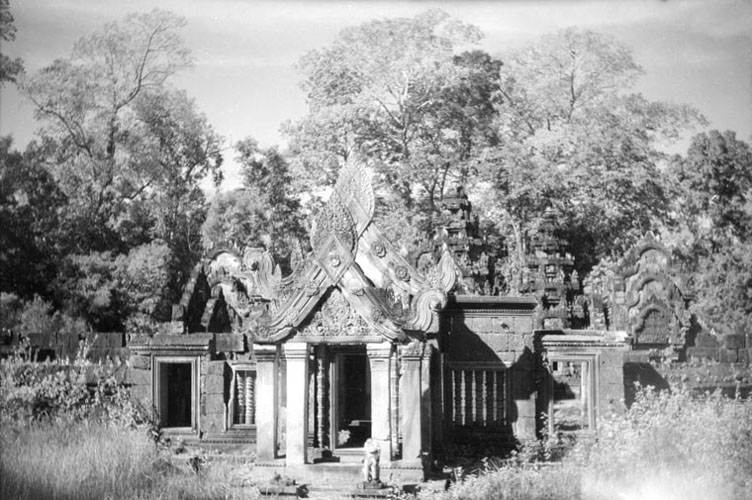 Old Banteay Srei Temple Photo