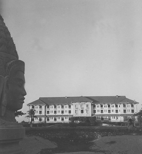 Old Photo of The Raffles Hotel in 1947