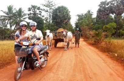 moto tour cambodia 01